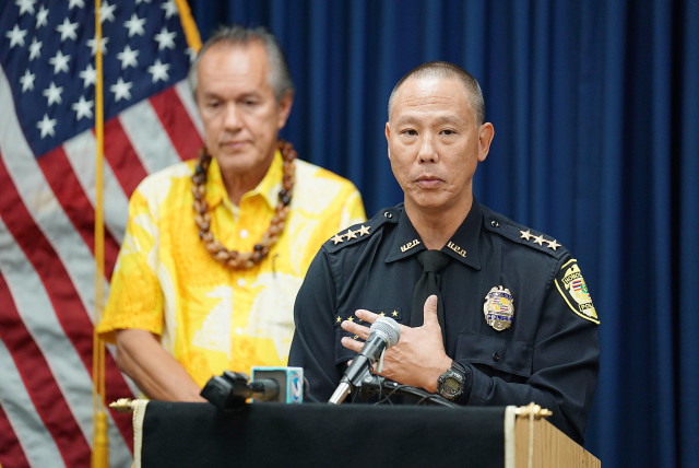 Acting HPD Chief Cary Okimoto speaks to media about Chief Kealoha's 30 day leave and ROPA. 20 dec 2016
