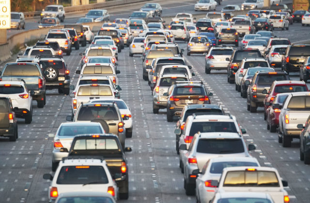 Freeway traffic honolulu .