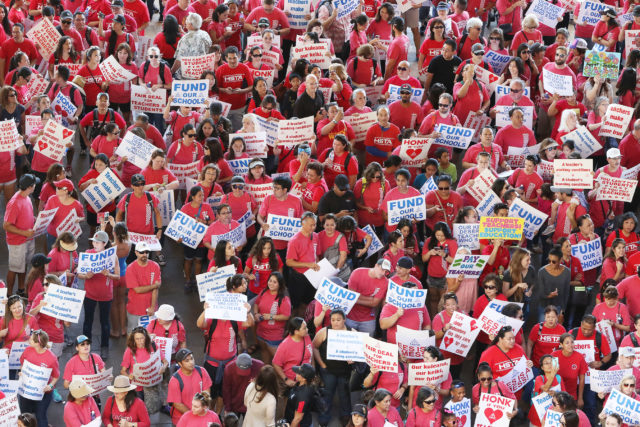 HSTA Teacher march to Hawaii State Capitol in the Rotunda. 13 feb 2017