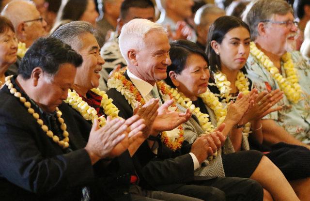 Mayor Kirk Caldwell with Governor Ige Honolulu Hale. 16 feb 2017