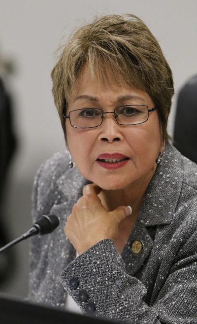 Senator Lorraine Inouye listens to Chair Menor during hearing. Capitol. 6 feb 2017