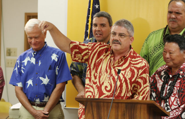 Mayor Caldwell, Council Vice Chair Ikaika Anderson, Maui Mayor Alan Arakawa, Honolulu Mayor Caldwell, right, Kauai Mayor Bernard Carvalho, with Kauai City Council Chair Mel Rapozo speaking against act 170 lifeguard liability. 12 april 2017
