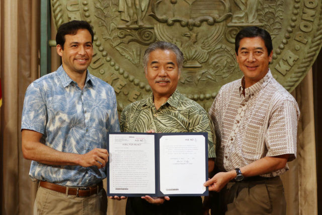 Left, Rep Chris Lee, Governor David Ige and right, Board of Education Chair Lance Mizumoto. AC for Schools bill.