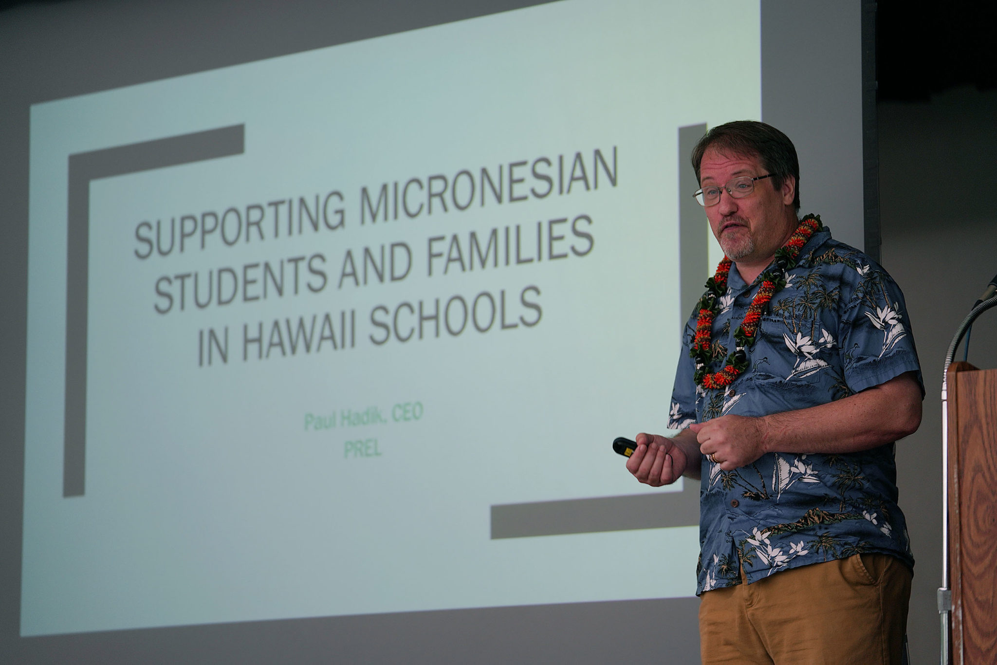 Paul Hadik speaks to Washington Middle School staff during a presentation about Micronesian students and culture.