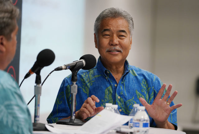 Know your Candidate Gov David Ige and Chad Blair at HPU.